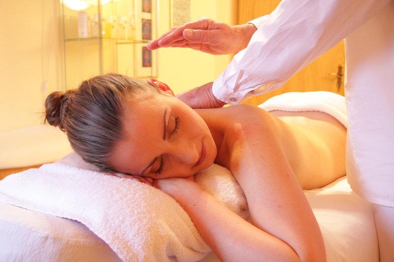 Enjoy a relaxing massage at Deco Stop Lodge Vanuatu