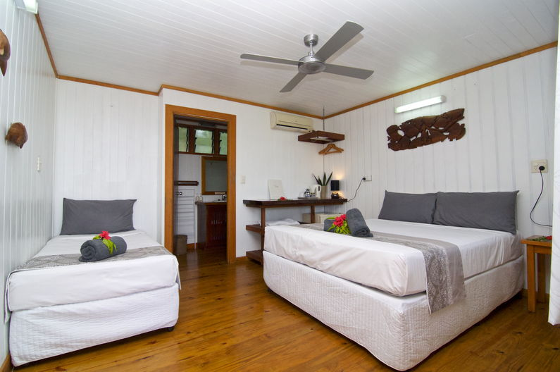 Superior Double Room at Deco Stop Lodge – Every room has a ceiling fan and airconditioning